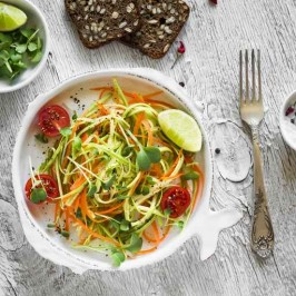Simple Summery Lime and Zoodle Salad