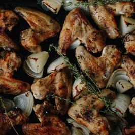 Lemon, Garlic and Thyme Roasted Chicken Wings