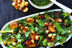 Honey_Toasted_Macadamia_Nut_Salad_ChangingHabits