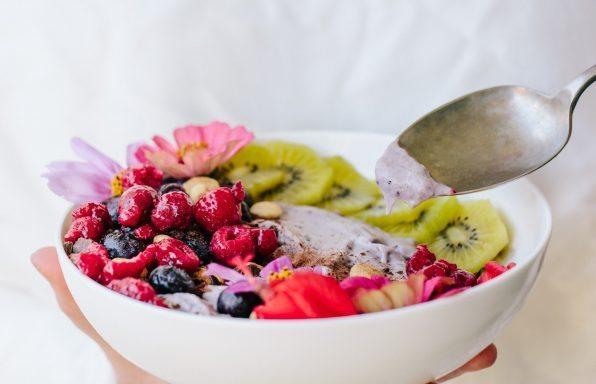 Blueberry_Breakfast_Smoothy_Bowl